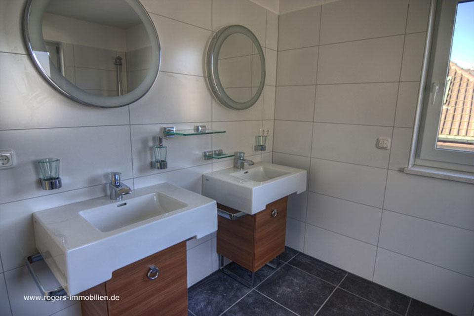 Doppelwaschbecken mit Accessoir in Joop Design